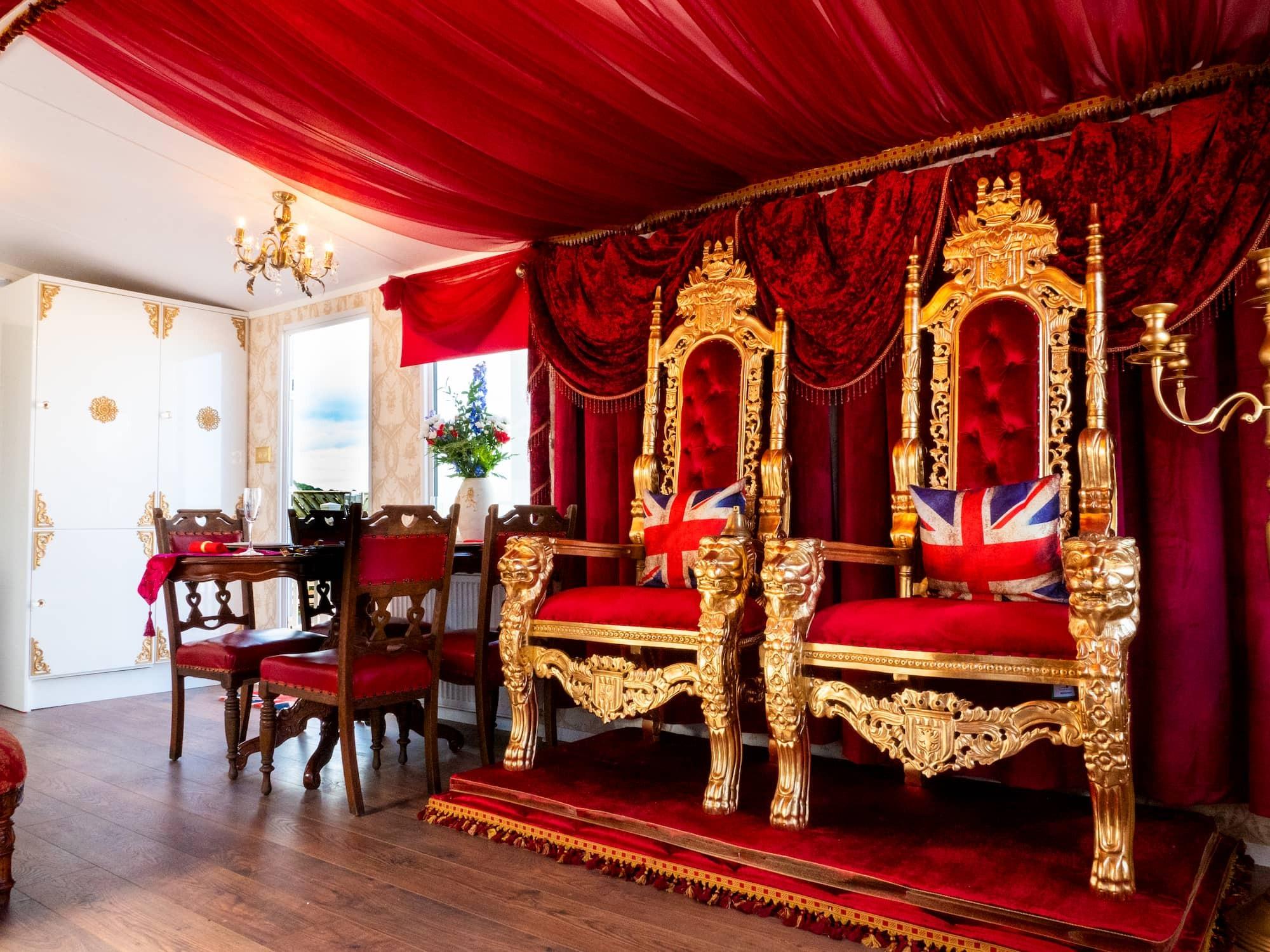 The Royal Caravan | Holiday like Royalty | Parkdean Resorts