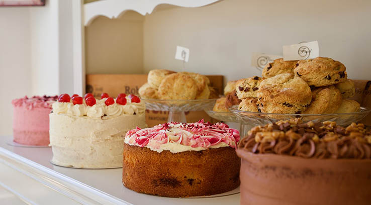 Cakes and scones at Fleur de The