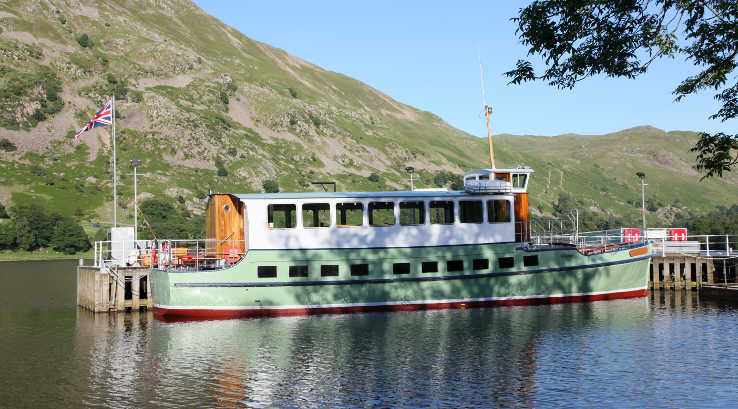 A pleasure craft on Lake Ullswater
