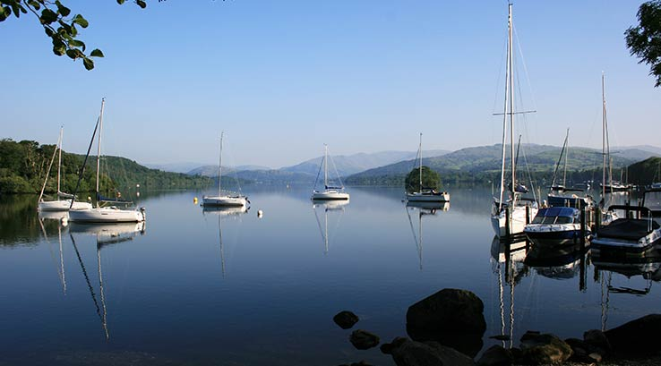 View of the lake and yachts at Fallbarrow