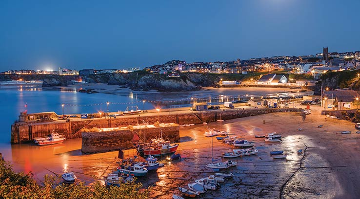 Newquay harbour in the evening