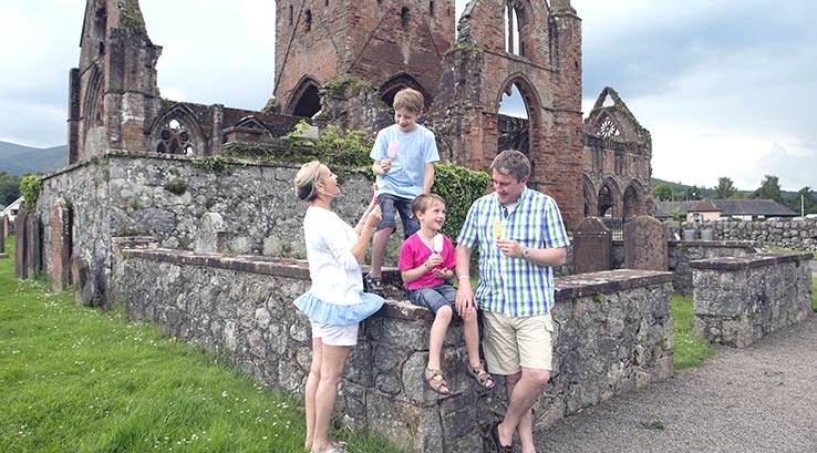 A visit to Sweetheart Abbey