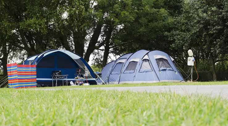 What is hookup for camping meaning