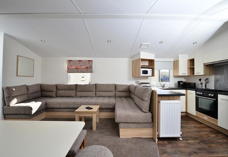 https://www.parkdeanresorts.co.uk/~/media/parkdean-resorts/units/bute_1352/lounge01.jpg