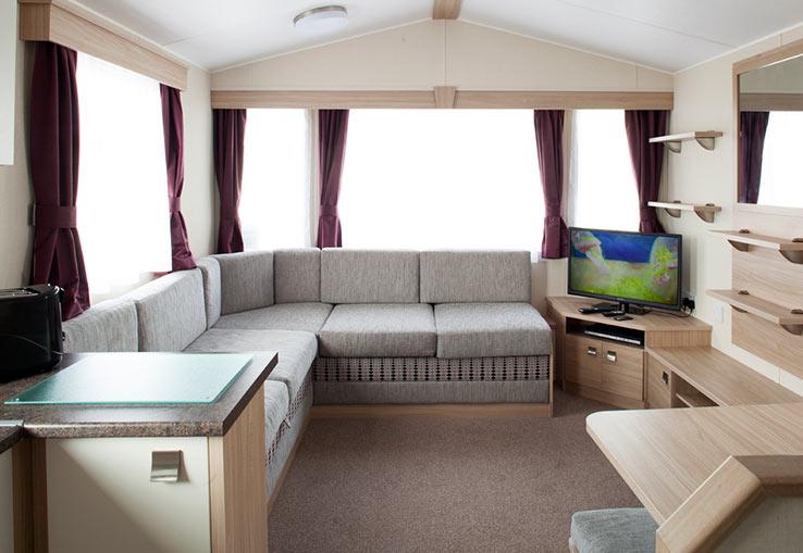 https://www.parkdeanresorts.co.uk/~/media/parkdean-resorts/units/delabole_1448/lounge01.jpg