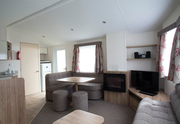 https://www.parkdeanresorts.co.uk/~/media/parkdean-resorts/units/mull_1264/lounge01.jpg