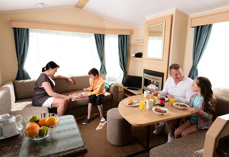 https://www.parkdeanresorts.co.uk/~/media/parkdean-resorts/units/mylor_1158/lounge01.jpg