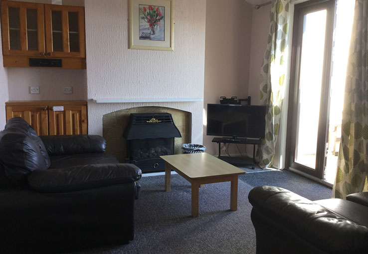 https://www.parkdeanresorts.co.uk/~/media/parkdean-resorts/units/ocean-view-cottage_136/lounge01.jpg