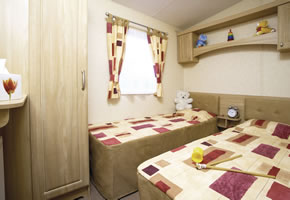 <p>With central heating and double glazing this caravan is nice and warm. Plus it's got plenty of extra home comforts to make you feel right at home. </p>