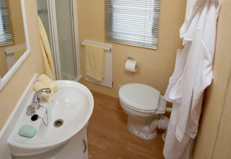 https://www.parkdeanresorts.co.uk/~/media/parkdean-resorts/units/swanmore_731/bathroom.jpg