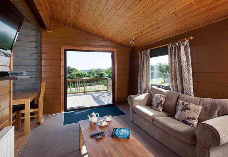 https://www.parkdeanresorts.co.uk/~/media/parkdean-resorts/units/tresco-lodge/lounge01.jpg
