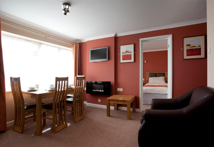 https://www.parkdeanresorts.co.uk/~/media/parkdean-resorts/units/willows_1128/lounge01.jpg
